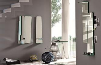 Zajímavou skládačku vytvoříte na zdi ze zrcadel Tag. Jsou vyrobená z 8milimetrového skla a mají integrovanou poličku, rozměr 24 x 15,2 x 90 cm.