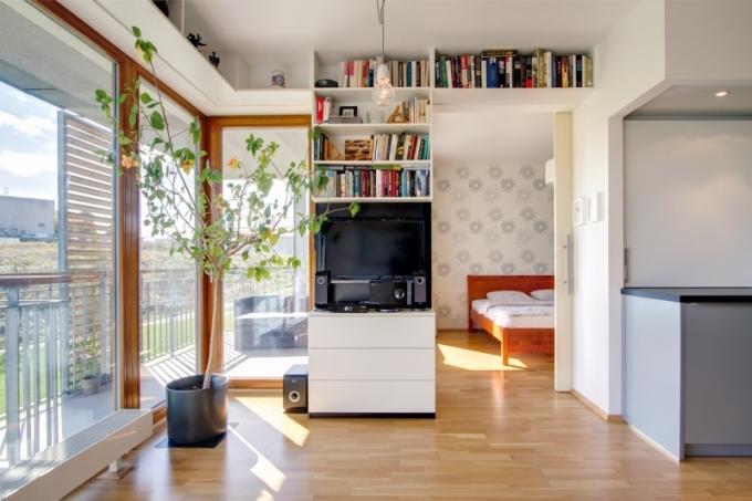 Architekt změnil původní dispozici podle Denisina přání a výsledkem je kompaktní prostor plný zajímavých řešení