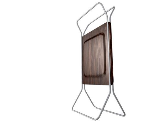 Přenosný radiátor Light, který slouží i k zavěšení ručníků