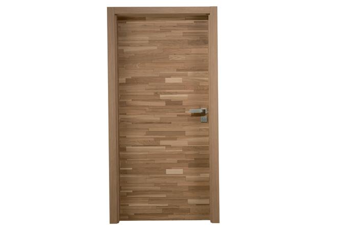 Dveře LIVRE s dubovými dřevěnými špalíky