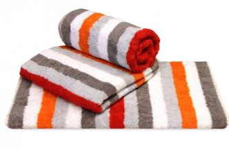 Pruhovaný ručník ve výrazných barvách z kolekce LifeStyle Sport