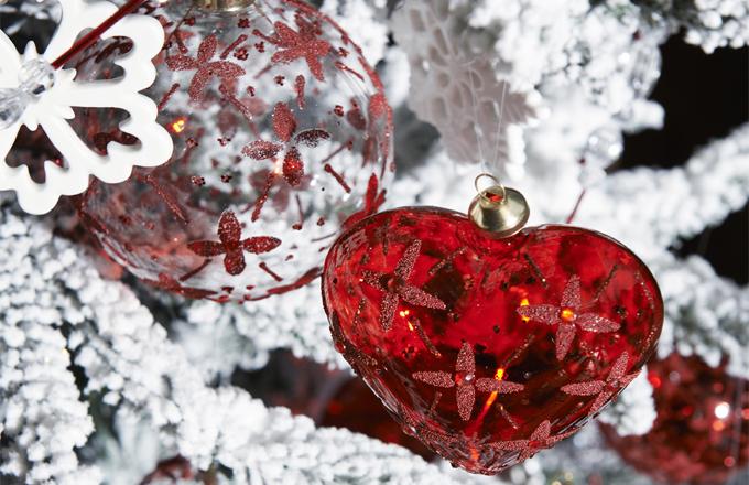 Designéři značky SIA připravují Vánoce už v létě