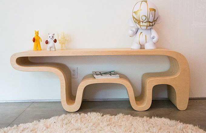 Medvěd poslouží jako roztomilý stolek i police