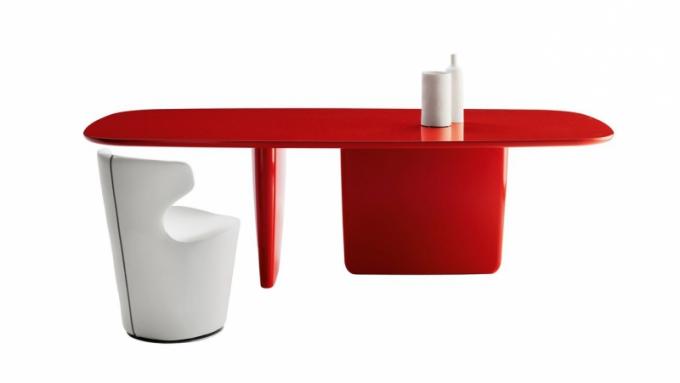 Stůl Tobi-Ishi
