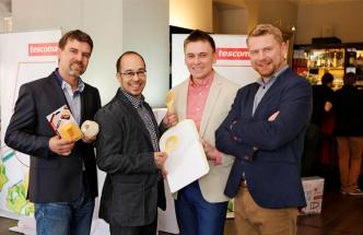 Na fotografi i zleva David Veleba, Martin Koval, František Fiala a vedoucí designér společnosti Tescoma Ladislav Škoda