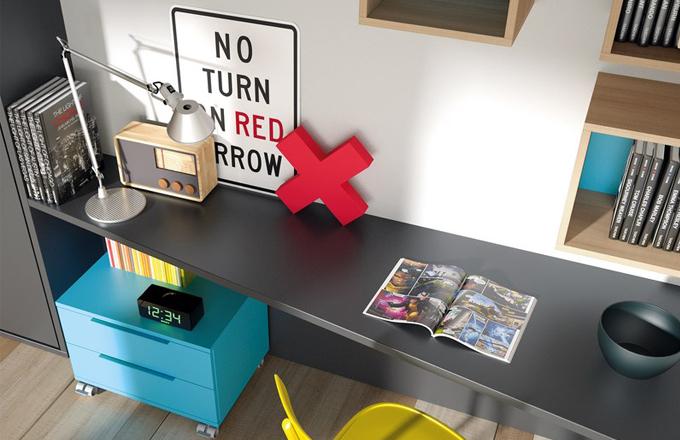 Pracovní stůl, postupně se zvětšující hloubka