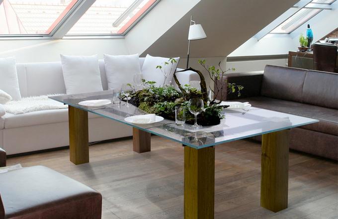 Z designového bio stolu vyrostl zelený ostrůvek