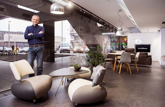 V showroomu na Vinohradské 10 přibyla nová značka Leolux. Designová křesílka jsou pohodlná (vyzkoušeno) a Ing. Sedlák zaručuje, že jsou i vysoce kvalitní
