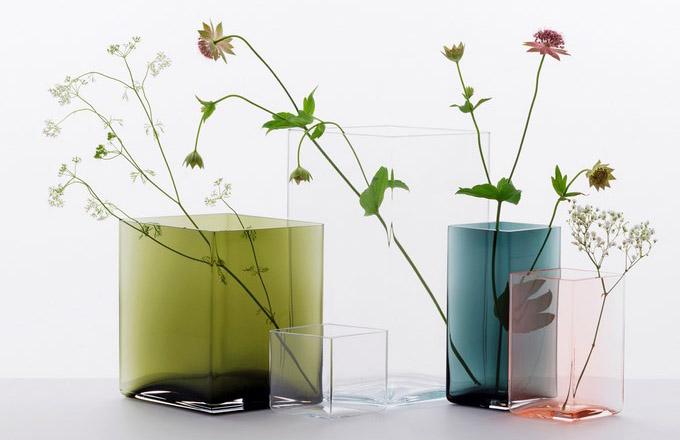 Vázy z nové kolekce Ruutu od designérského tandemu bratrů Ronana a Erwana Bouroullecových pro Iittalu