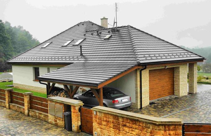 Poradíme, jak zkontrolovat střechu před zimou