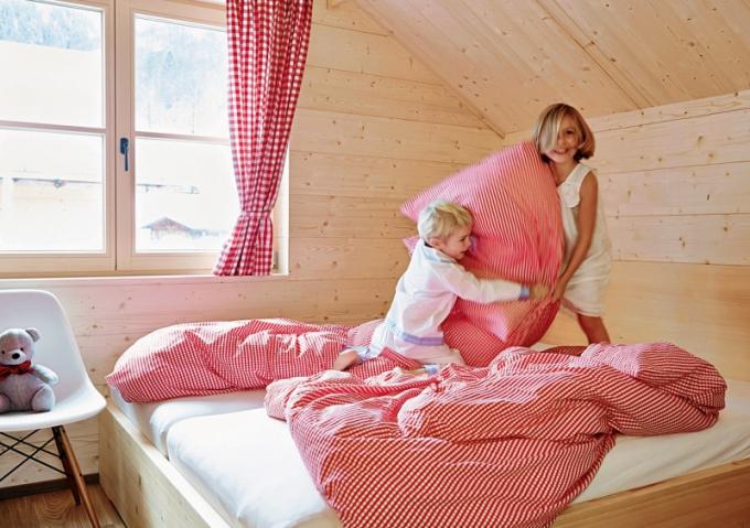 Pro děti jsou Casalpin Chalets rájem. Nabízejí jim bytelný nerozbitný interiér, nadherné prostředí uprostřed alpské přírody a nové kamarády