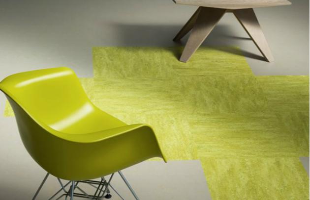 Možnosti kolekce Marmoleum Modular jsou opravdu neomezené. Nechte promluvit barvy. Zkombinujte šedé odstíny s výraznou dominantní barvou. Váš interiér si tak získá originální a nezaměnitelný charakter. Doporučená maloobchodní cena 790 Kč/m2 bez DPH. www.forbo-flooring.cz