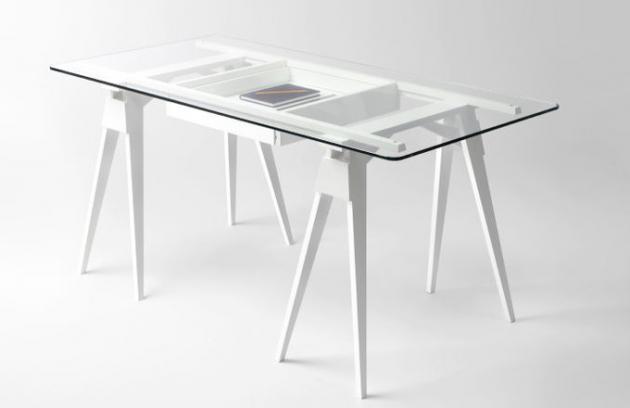 Velmi otevřený stůl Arco vystaví vše na odiv