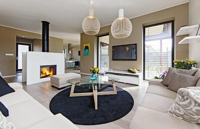 Celému prostoru dominují neutrální odstíny. Základ tvoří laminátová podlaha s dekorem běleného dubu. Kontrastně zde působí pouze malby od mladé výtvarnice Kateřiny Gyürüsi
