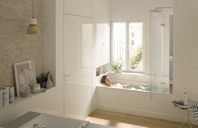 Všestranná vana pro koupel i sprchování