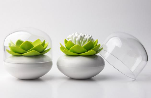 Stojánek na vatové tyčinky Lotus Cotton Bud, O 8 cm, výška 8,3 cm, vyrábí Qualy, cena 345 Kč, www.naoko.cz
