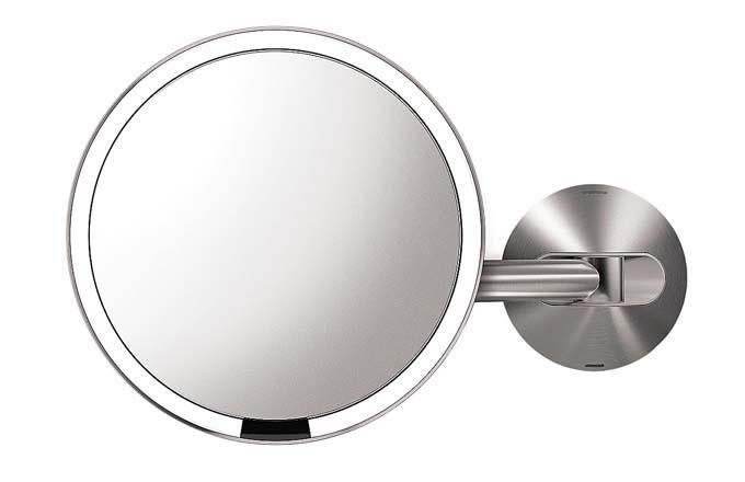 Senzorové nástěnné zrcadlo Simple Human, nerezová ocel, cena 6 200 Kč, www.selfridges.com