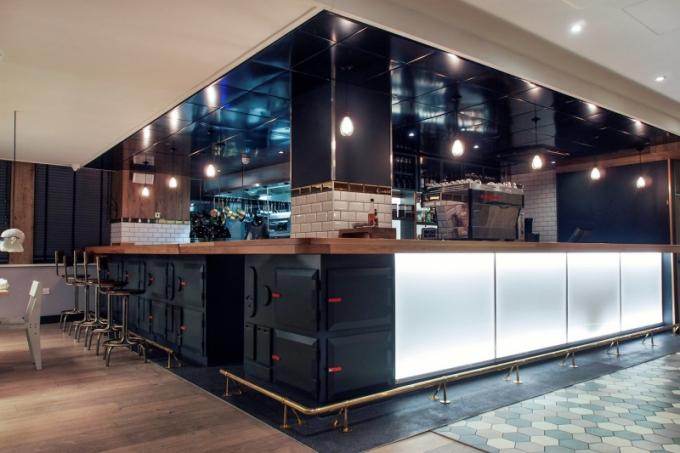 Design hotelového baru je ovlivněn specifickým rázem londýnského East Endu