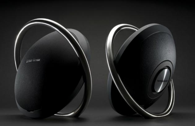 Reproduktor Onyx: Hudba v ocelovém objetí