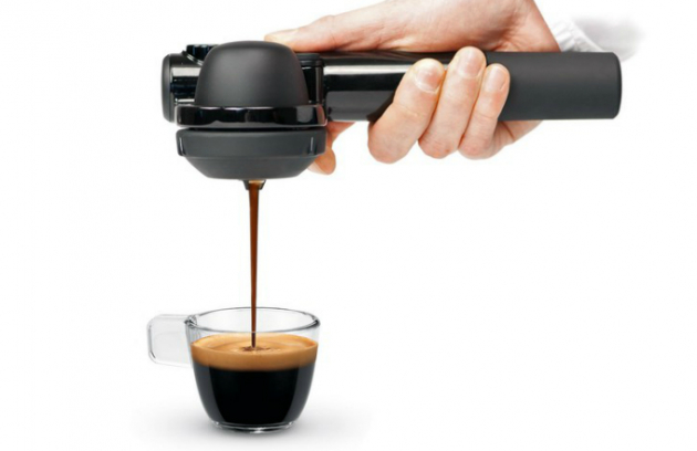 Ruční kávovar Wild Hybrid, tlak 16 barů, kompatibilní s ESE pody, lze použít libovolnou mletou kávu, cena 2 870 Kč, www.datart.cz