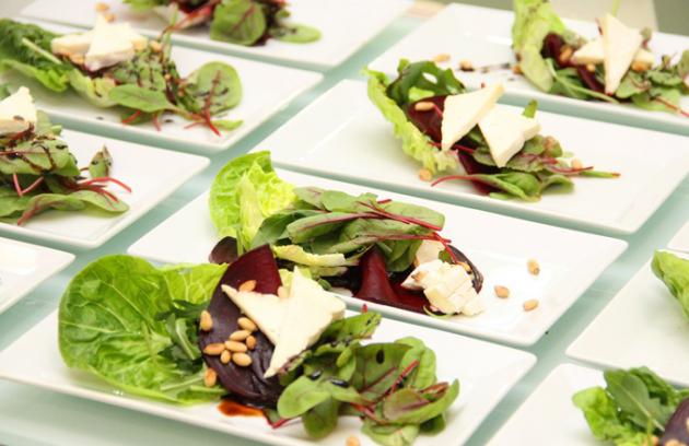 Proměnu své gastronomické nabídky připravila O2 arena právě na jeho koncert, který se koná ve čtvrtek 16. června. V souladu se zájmem legendárního člena Beatles, aby i jeho fanoušci měli na koncertě širokou nabídku vegetariánské stravy, připravila O2 arena speciální menu.