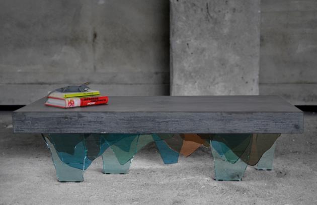 Krása betonového stolku, nebo děs?