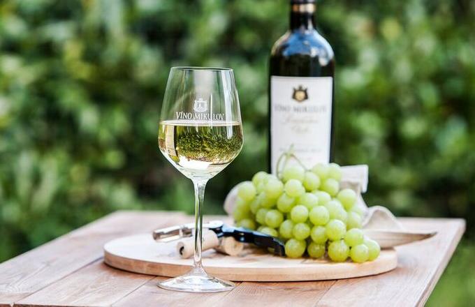 Grilujeme! Jaká zvolit k jídlu vína?