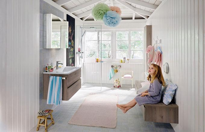 S modulárním nábytkem Bel (Burgbad) lze vytvořit naprosto individuální koupelnový koncept, k dispozici je 48 barevných řešení nábytku s melaminovou, lakovanou nebo fóliovanou povrchovou úpravou, cena podle provedení, www.siko.cz