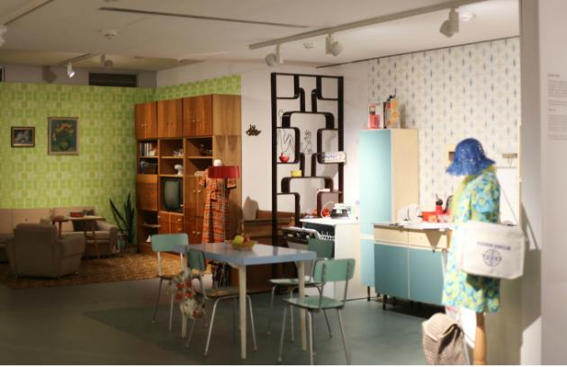 Výstava RETRO 70. a 80. let v Tančícím domě se o týden prodlužuje