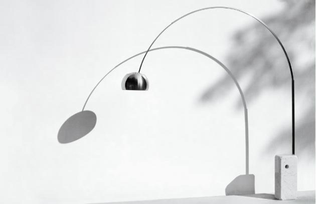 Italská lampa Arco od bratrů Castiglioniových