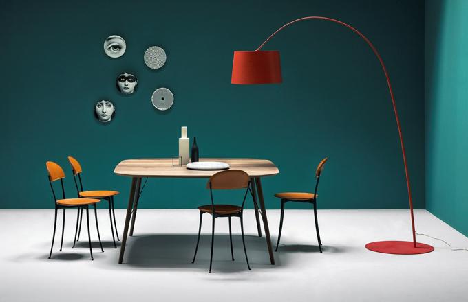 Jídelní stůl Santiago, deska a nohy z masivního ořechu nebo dubu, 210 x 90 x 75 cm, design Frank Rettenbacher, vyrábí Zanotta, orientační cena 54 205 Kč, www.classicdesign.it