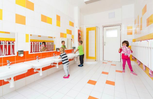 Díky soutěži jsme mohli zrekonstruovat wc a umývárny v naší mateřské škole. Spolupráce s oběma společnostmi byla úžasná.