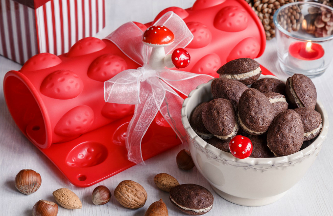 Silikonová forma na 40 ořechů, rozměry 26 x 34 cm, vyrábí Banquet, cena 199 Kč, www.decodoma.cz