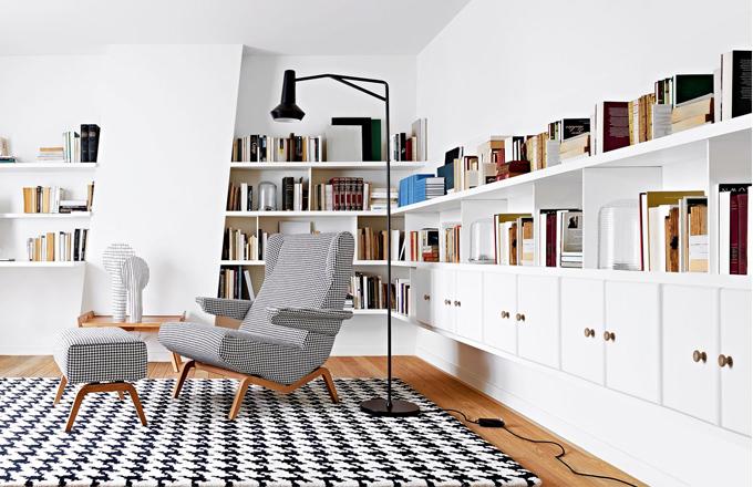 Retro křeslo Archi může být doplněné i podnožkou, design Pierre Paulin, 88 x 91 x 96 cm, cena cca 60 000 Kč, www.ligne-roset.cz