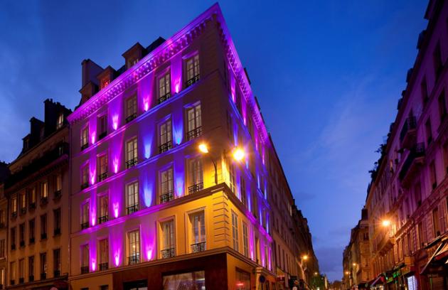 Co nestihnete ve dne, můžete v noci objevovat v Hôtelu Design Secret de Paris.