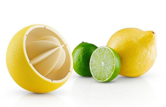 Lis na citrusy, silikon/nylon, O 8 cm, v. 8,7 cm, Eva Solo, cena 558 Kč, www.kulina.cz