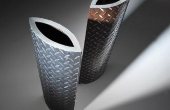 Netradiční vázy z oceli od VLADAN BĚHAL DESIGN