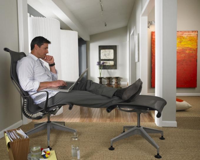Ergonomie a účelnost by měla vládnou i domácí pracovně