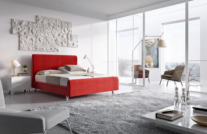 Polohovacími elektrickými rošty je vybavena čalouněná postel Margret, Hollandia, cena 99 990 Kč, www.prospanek.cz