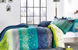 Povlečení na dvoulůžko Clover Stripe, 100% bavlna, přikrývka 200 x 200 cm, polštář 75 x 50 cm, Clarissa Hulse, cena na dotaz, www.bonami.cz