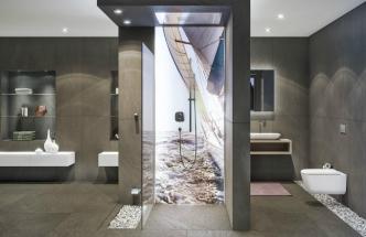 Designový panel Pan Elle Enlight s LED technologií podtrhne relaxační atmosféru sprchového koutu. Stačí si vybrat kýžený grafický motiv a pak už jen ovládat světelnou scénu např. s pomocí dálkového ovládání, Duscholux, cena od 9 800 Kč/ks, www.duscholux.com