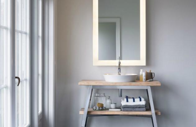 Ukázka jednoduché a čisté formy baterie Axor Starck, která v rámci koupelny plní funkci praktickou a bezesporu také estetickou