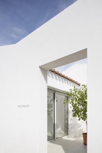 V architektuře domu se odráží kompozice základních geometrických tvarů