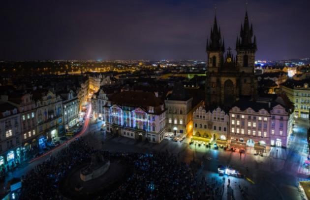 Prahu opět ovládne světlo SIGNAL festivalu
