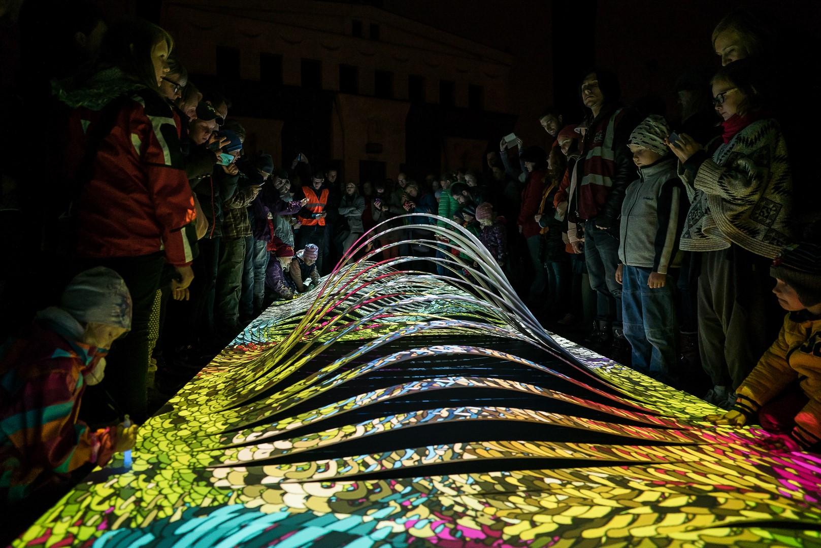 Říjnovou Prahu opět ovládne světlo SIGNAL festivalu. Návštěvníky provede po dvou trasách.