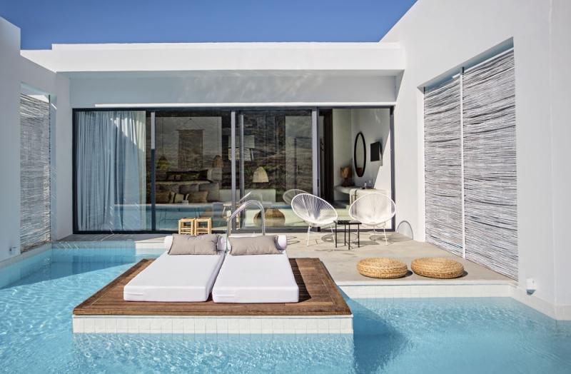 Každý pokoj má soukromý relaxační ráj – vlastní terasu a vstup do bazénu