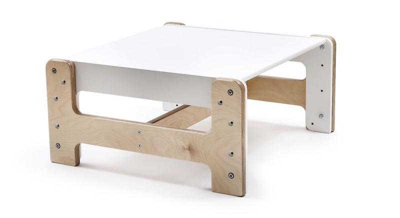 Rostoucí nábytek mohou využívat děti od chvíle, kdy jsou schopné samy sedět, až do šesti let, březová překližka, Mimimo, cena židle 3 900 Kč, stůl 3 900 Kč, www.mimimo.cz