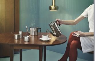 Konvice na kávu, 2 l, cena 4 020 Kč, konvice na čaj, 1,25 l, cena 7 620 Kč, cukřenka 1 520 Kč, www.designville.cz