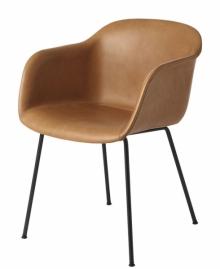 Židle Fiber spotahem zkůže vkoňakovém odstínu, design Iskos-Berlin, Muuto, cena 23550Kč, www.designville.cz