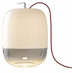 Gong, kov a foukané sklo, výška 42,4 cm, O 30 cm, Prandina, cena 15 609 Kč, www.cskarlin.cz